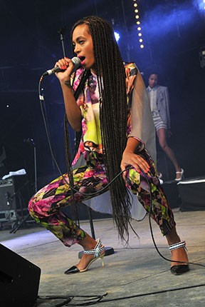 glastonbury_2013_solange-2